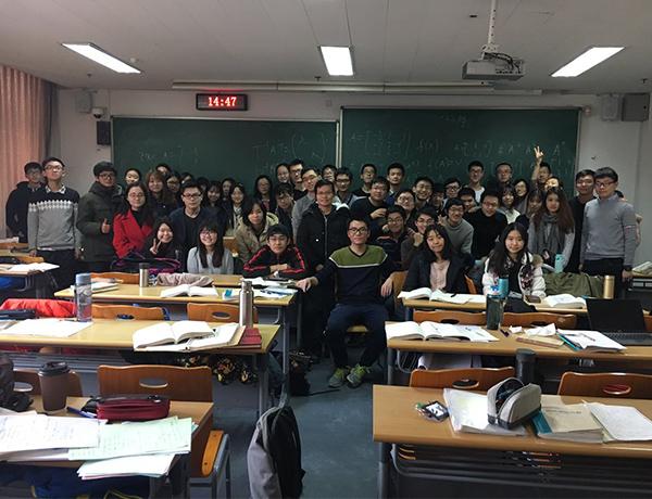 共解青春这道题 ——记习题课助教代洪龙、韩兆宇